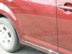 洗車キズや無数の小キズ・線状の傷で傷つき全体がくすんでいるトヨタパッソのドアパネルに新型コーティング/スーパーゼウスを施工