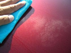 新型ガラス系コーティングluster veil(ラスターベール)を含ませたマイクロファイバークロスで水滴を拭き取りつつコーティングします