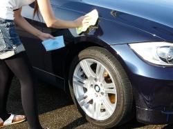 車のガラスコーティング  ハイブリッドナノガラス コーティング前処理 シリコンオフ6