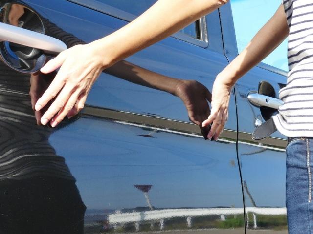 水なし洗車と水なしコーティングの同時効果とはいえマジックベールのコーティング効果は抜群!ツルツルした手触りと被膜感がたまりません