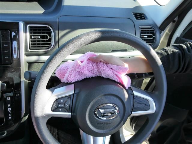 毛羽立ち、抜け毛がなく車内の濡れ拭きにも最適!ガラスの拭き上げにも大活躍!内装専用クリーナーとの相性も良く車内もピカピカに!
