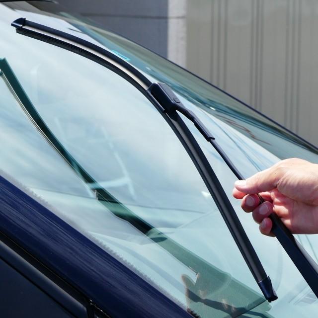 フォルクスワーゲン/ポロのワイパーは輸入車に多く採用されているデザイン性の高いスリムなフラットワイパー