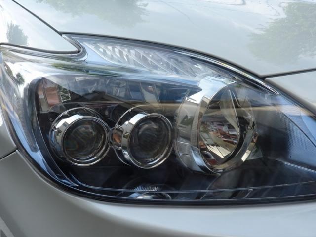 トヨタプリウスαのヘッドライトに硬化ガラスコーティング『D・アーマー』を保護膜として施工したコーティング評価・効果・レビュー・口コミ
