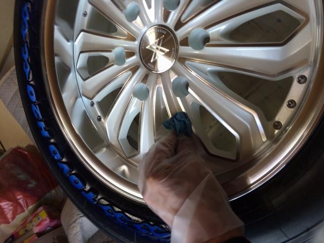 トヨタハイエースのホイールにブレーキダストや汚れから守る硬化コーティングを施工した評判・人気・評価・おすすめ・レビュー・口コミ