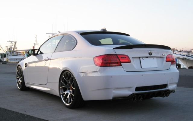 BMW M3に車の艶・光沢性能に優れたコーティングスーパーゼウスを施工した評判・人気・評価・おすすめ・レビュー・口コミ